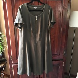 Roz & Ali Olive Green Dress - 16